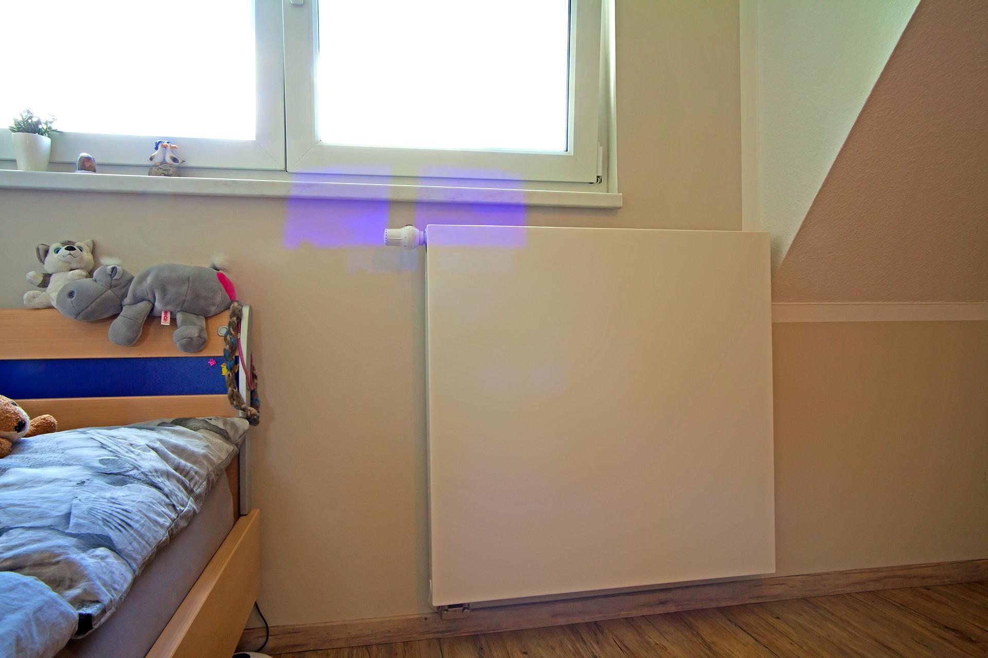 Heizungsbau - Kinderzimmer mit Flachheizkörper